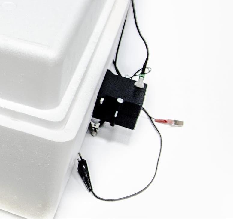 Инкубатор Несушка 104 яйца 220/12 В, автомат. поворот, цифр. терм., БИ-2 - фото 5492